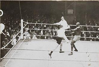 Frank Moran - Frank Moran-Jack Johnson match in Paris 1914