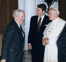 Frank Shakespeare, Ronald Reagan, John Paul II at Vatican.jpg