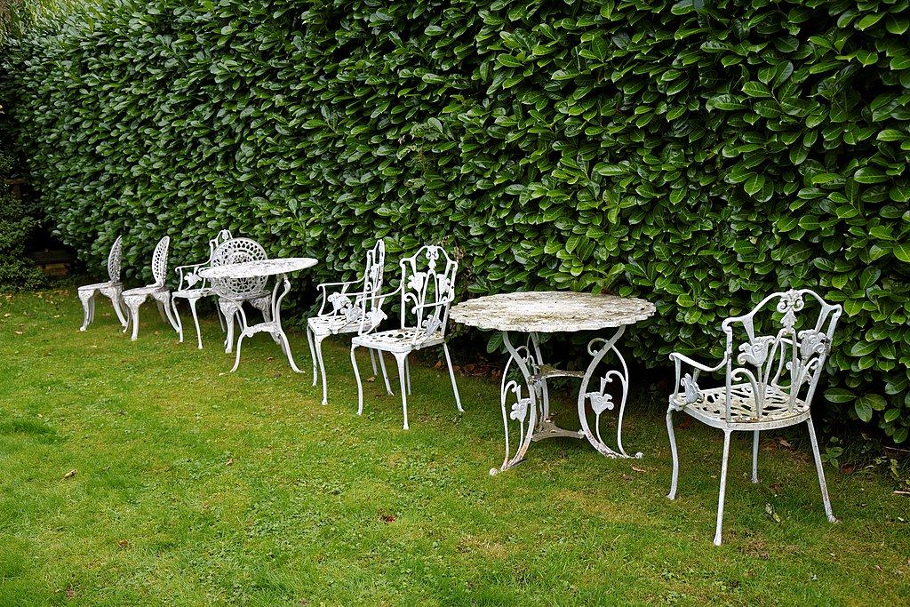 Filegarden Furniture At Nuthurst West Susengland Jpg