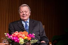Garry Wills 13724-119.jpg