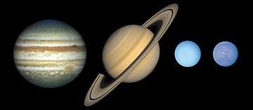 Солнечная система как образец 360px-Gas_planet_size_comparisons