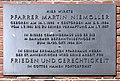 Gedenktafel Thielallee 1 (Dahlem) Martin Niemöller.jpg