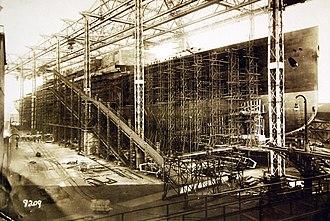 RMS Majestic (1914) - Bismarck under construction