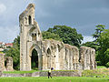 Glastonbury Abbey ruins 8.jpg