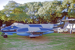 Museo Nacional de Aeronáutica de Argentina - Gloster Meteor, at the previous location of the MNA, Aeroparque Jorge Newbery, 1975