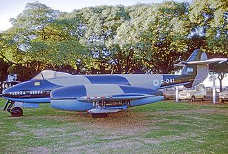 Museo Nacional de Aeronáutica de Argentina - Gloster Meteor, at the previous location of the MNA, Aeroparque Jorge Newbery, 1975