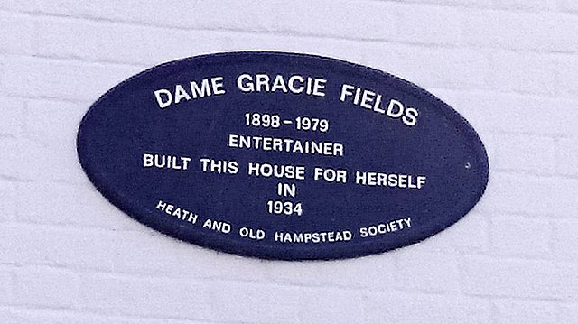 Gracie Fields plaque - Dame Gracie Fields 1898-1979 entertainer built this house for herself in 1934