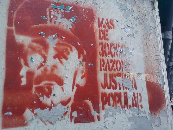 Graffiti in Buenos Aires 2011, demanding trial for junta