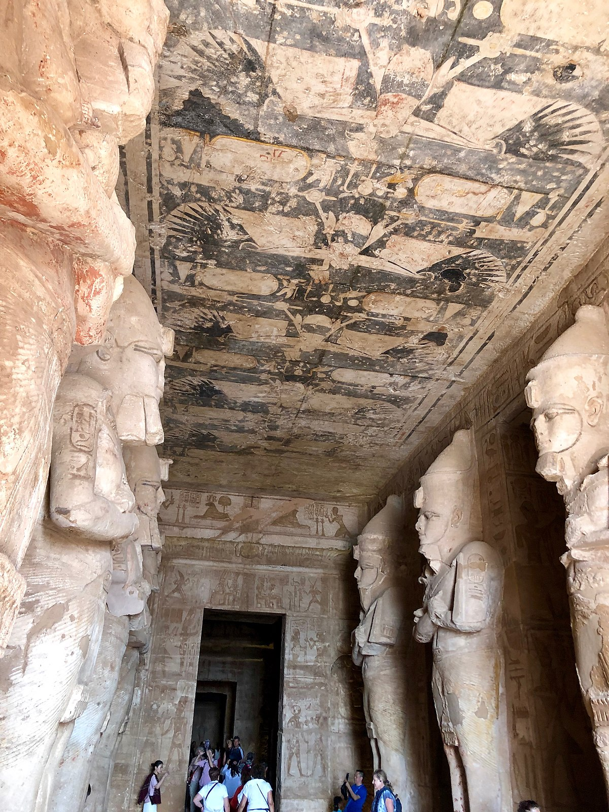 File:Great Hall, The Great Temple of Ramses II, Abu Simbel ...