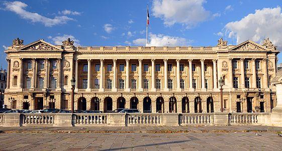 Hôtel de la Marine, place de la Concorde à Paris, ornée d'une façade conçue par Ange-Jacques Gabriel, premier architecte du Roi Louis XV.