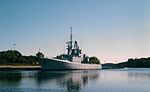 HMCS Fraser (DDH 233) at Bridgewater 1999.jpg