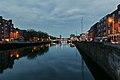 Ha'penny Bridge, Wellington Quay & River Liffey, Dublin (507192) (32755280572).jpg