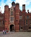 Hampton Court Palace. - panoramio (3).jpg