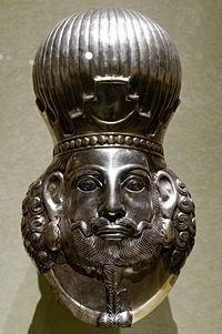 Head of king Met 65.126.jpg