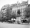 Henri Mondor tér a 6. kerületben, Danton szobra. Fortepan 23032.jpg