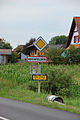 Hochfelden ( Bas-Rhin ), entrée du village.jpg