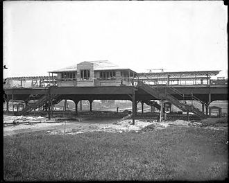 207th Street (IRT Broadway–Seventh Avenue Line) - 207th Street station under construction in 1906, before development in the surrounding area took shape