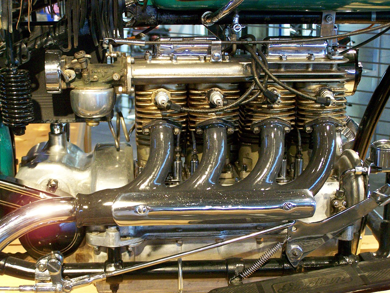 File:Indian 4 engine at Barber Vintage Motorsports Museum.jpg ...
