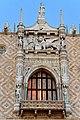 Italy-1265 - Palace Window (5213782489).jpg