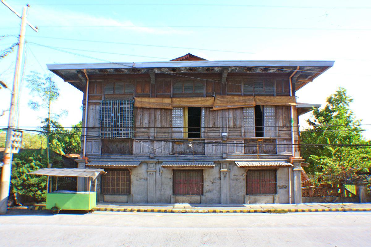 Historic Houses In Santa Rita, Pampanga