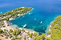 Jachten an der Bucht Zogeria auf Spetses, Griechenland (48759761563).jpg