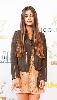 Jasmine Thompson English singer and songwriter
