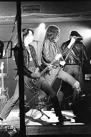 Radiosurgery (album) - Image: Johnny and Joey Ramone