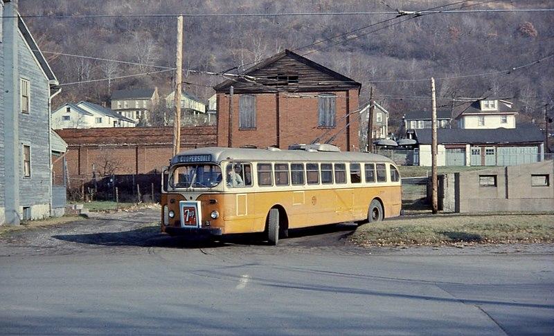 File:Johnstown ACF-Brill trolleybus 734 at Coopersdale terminus, 1967.jpg