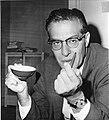 Julian Schwinger, 1965.jpg