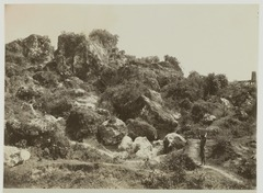 KITLV 19500 - Kassian Céphas - Limestone quarries in the Gamping mountains west of Yogyakarta - Around 1895.tif