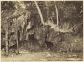 KITLV 3711 - Kassian Céphas - Cliff on the coast of Mantjingan near Parangtritis - 1897-04-17.tif