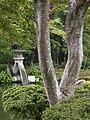 Kenroku-en Kotoji Lantern 3.jpg