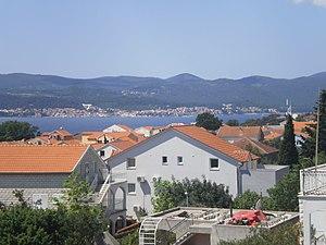 Korčula (town) - Image: Korčula iz Orebića 5090116