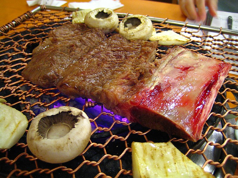 800px-Korean.food-Galbi-03.jpg