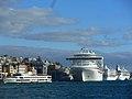 Kreuzfahrtschiffe in Karaköy.jpg