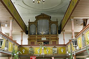 Krzewina,Orgel im Raum.jpg