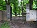 Kunratický zámecký park, brána z Golčovy ulice.jpg