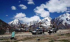 Kunzum Pass - Image: Kunzum Pass between Lahaul & Spiti 28 6 04