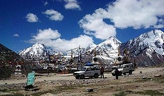 Kunzum Pass - Image: Kunzum Pass between Lahaul & Spiti 28 6 04