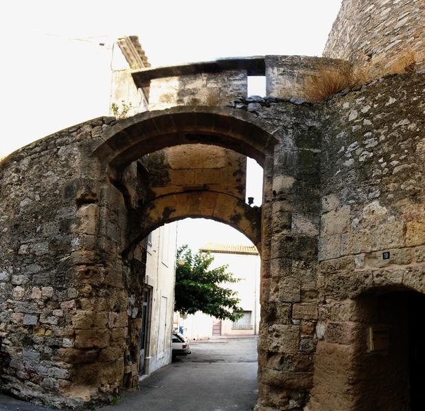 Porte de la Barbacane à La Palme (vue de l'intérieur de la ville)