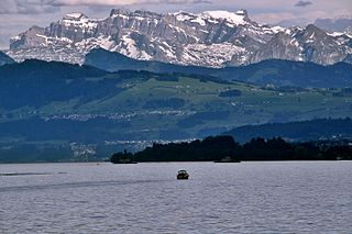Lake Zurich, Switzerland.JPG