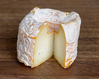 Langres cheese - Image: Langres fromage AOP coupe