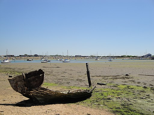 Langstone Harbour old boat
