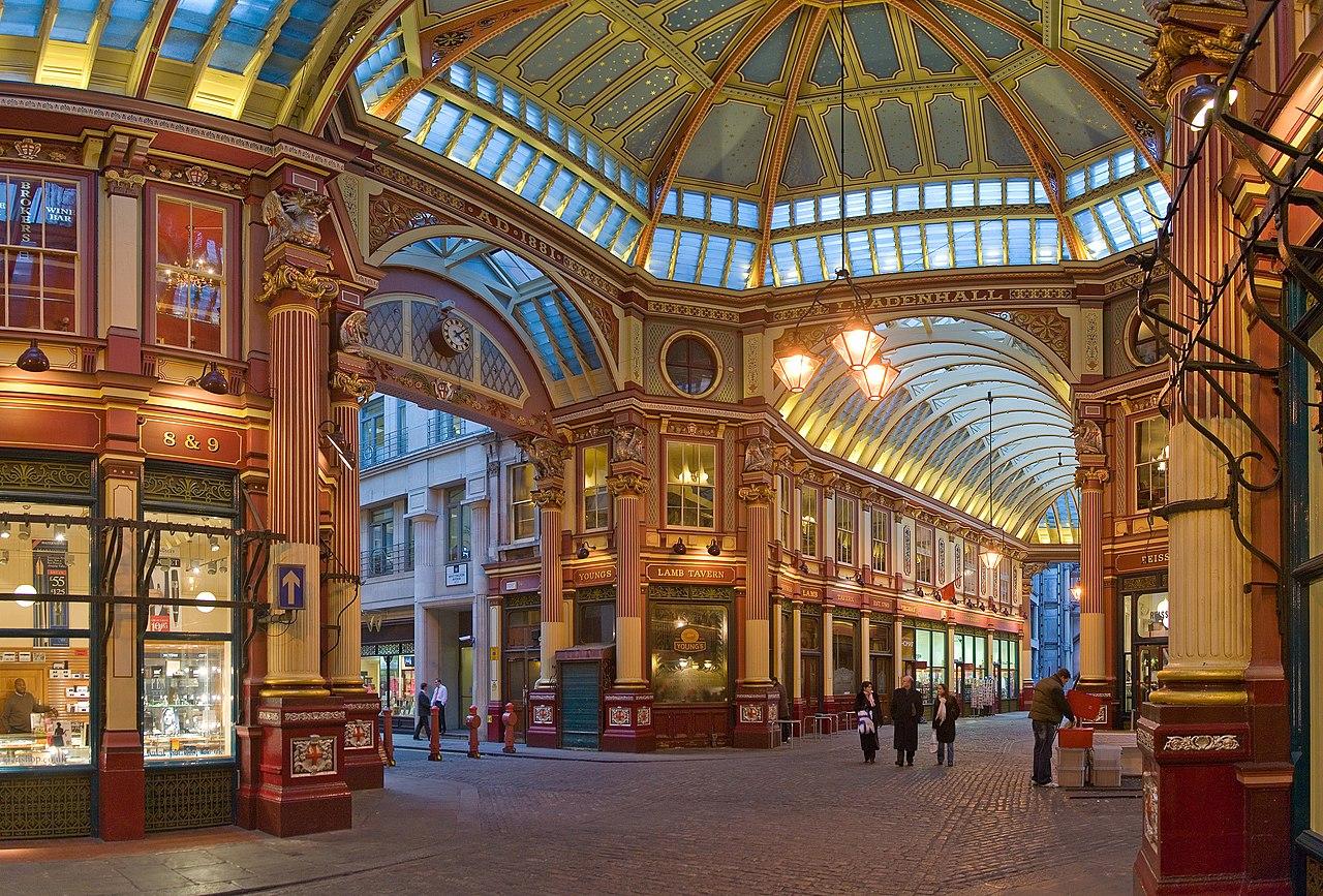 Leadenhall Market, marché couvert dans la Cité de Londres.  (définition réelle 2645×1792)