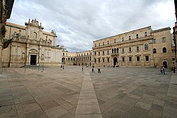 Lecce cathedral court.jpg
