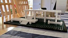 Lego farnsworth house.jpg