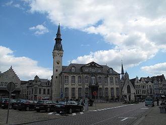 Lier, Belgium - Image: Lier, stadhuis en Belfort foto 1 2009 08 30 13.58
