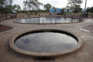 Great Artesian Basin - Lightning Ridge bathing thermes supplied by artesian bore water