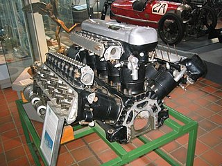 piston engine with 12 cylinders in W configuration