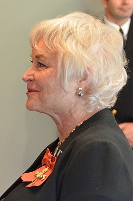 Lisa Harrow (cropped).jpg